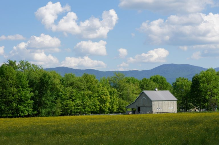 Barn and Mountains in Vermont. Taken by CloseUp Images